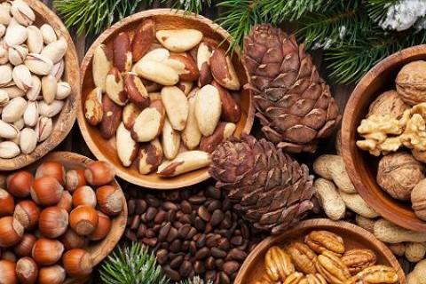 5 loại hạt tốt cho sinh lý quý ông